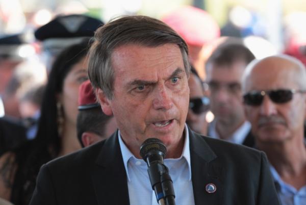 Pai de presidente da OAB foi morto por guerrilheiros, diz Bolsonaro