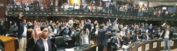 Constituinte venezuelana cria comissão para avaliar data de eleições