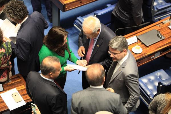 Simone Tebet assina pedido de veto integral à Lei de Abuso de Autoridade