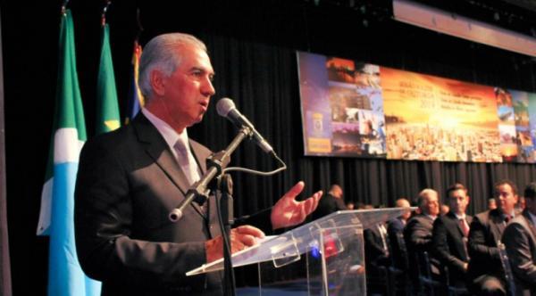 Governador recebe homenagem e destaca importância do Poder Legislativo