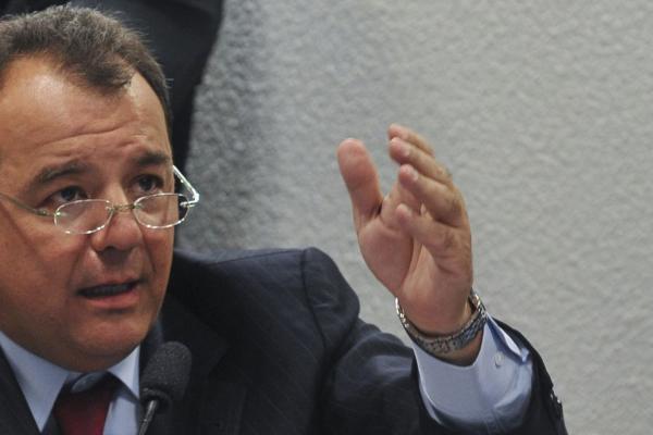 Defesa diz que Cabral corre riscos em Bangu 8