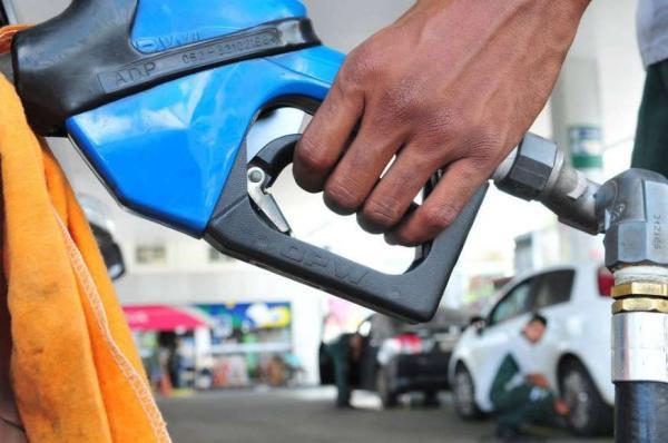 Petrobras elevou preço da gasolina em 3,5% e do diesel em 4,2%