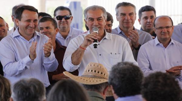Em Paraíso das Águas, governador anuncia pavimentação da rodovia que liga o município a Costa Rica