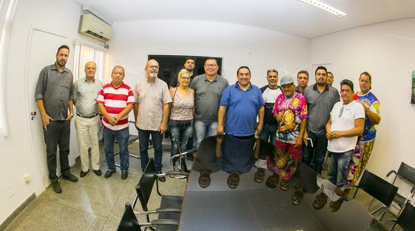 Prefeitura garante recursos as escolas de samba de Corumbá