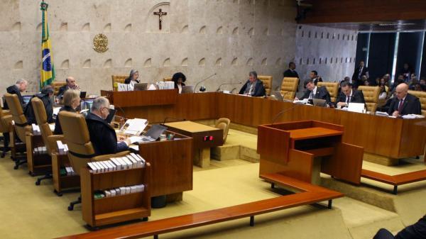 Juiza diz que STF deve decidir sobre regime semiaberto para Lula