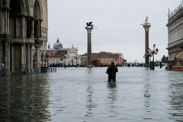 Veneza está em alerta máximo