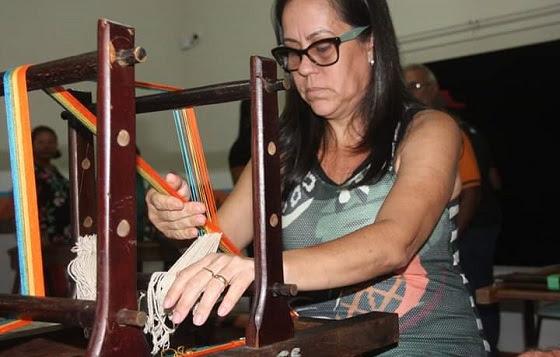 Artesãos de Rio Verde reforçam identidade regional em oficina de Faixas Pantaneiras