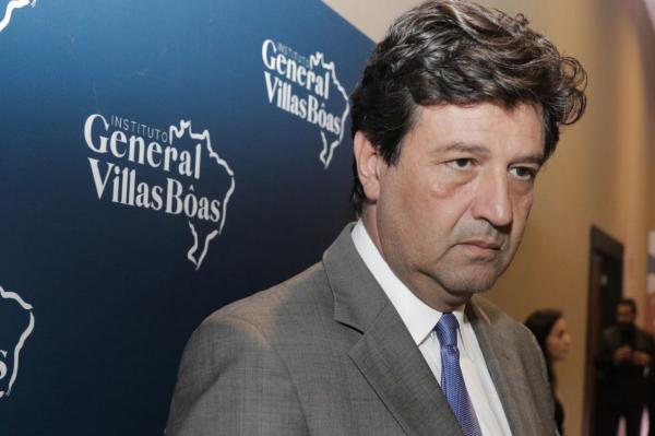 Saúde perdeu R$ 500 mi para fundo eleitoral, diz Mandetta