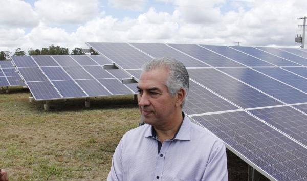 Cidade Solar: Reinaldo Azambuja destaca política de incentivo à energia limpa