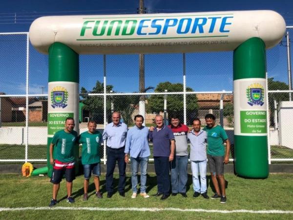 Governo do Estado inaugura campo de futebol suíço em Caracol
