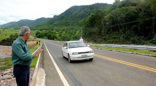 Governador entrega asfalto da MS-450