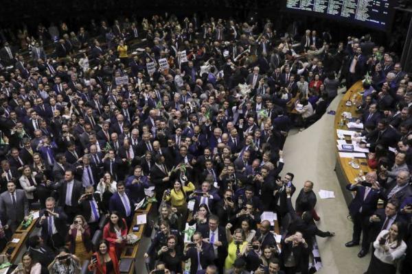 Proposta de taxar seguro-desemprego não deve avançar no Congresso
