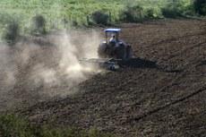 Governo amplia investimentos para pequenos e médios produtores rurais