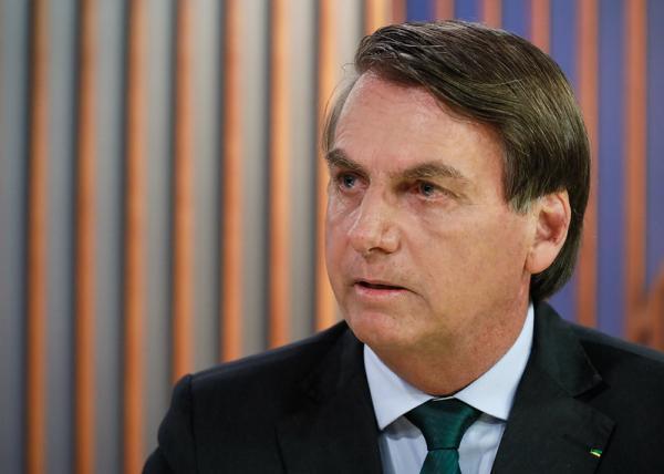 Bolsonaro: decisão sobre taxação de energia solar cabe à Aneel
