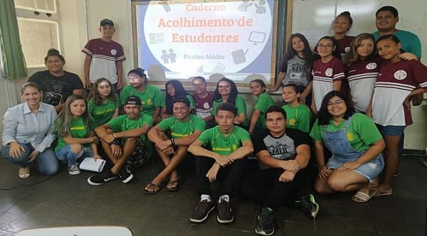 Escola de Autoria prepara jovens para a acolhida dos alunos no início do ano letivo
