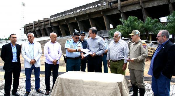 Com vistorias concluídas, Ministério Público decide até sexta-feira sobre abertura do Morenão