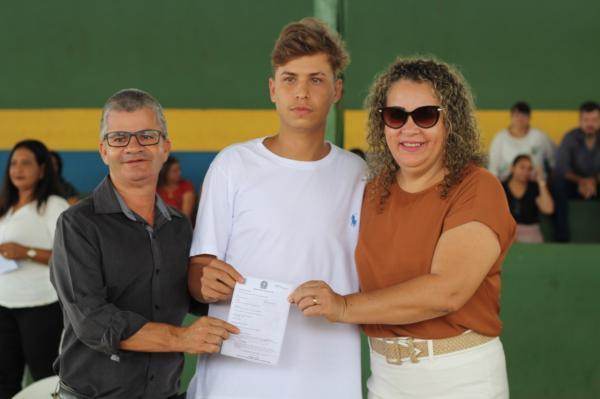 Prefeito Enelto prestigiou juramento à Bandeira de jovens alistados em 2019