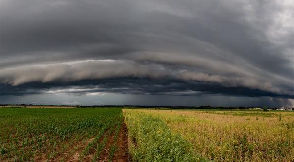 Domingo com muitas nuvens e chuvas isoladas em boa parte do estado