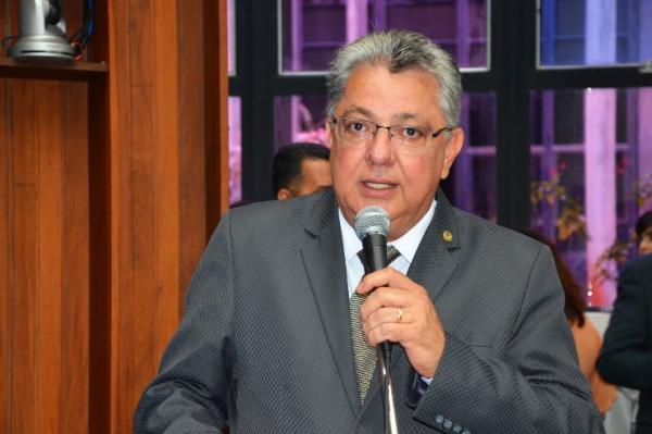 Evander quer do Governo medidas de redução do impacto econômico na população