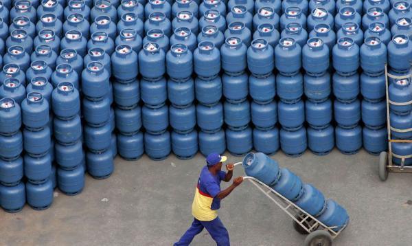 Abastecimento de gás está praticamente regularizado, diz ministro