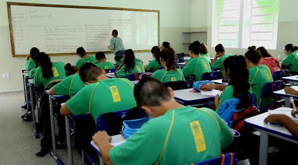 Governo prorroga suspensão das aulas presenciais na REE até 31 de julho