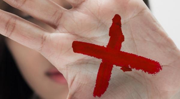"""Governo adere à campanha """"Sinal Vermelho"""" contra a violência doméstica"""
