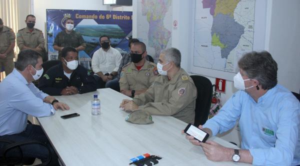 Secretários visitam centro de operações de combate aos incêndios no Pantanal