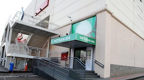 Detran amplia horário de atendimento nas agências dos shoppings
