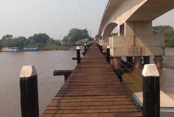 Nova passarela para pedestres sobre o Rio Miranda está 80% concluída