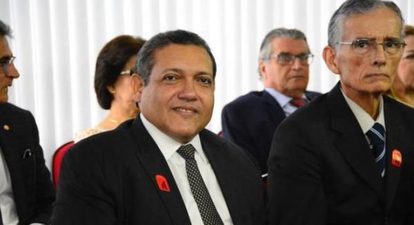 Bolsonaro indicará ao STF desembargador Kássio Nunes