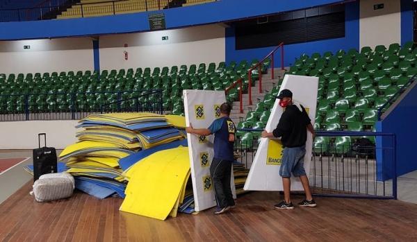 CBV inicia montagem de piso oficial no Guanandizão para a Supercopa de Vôlei
