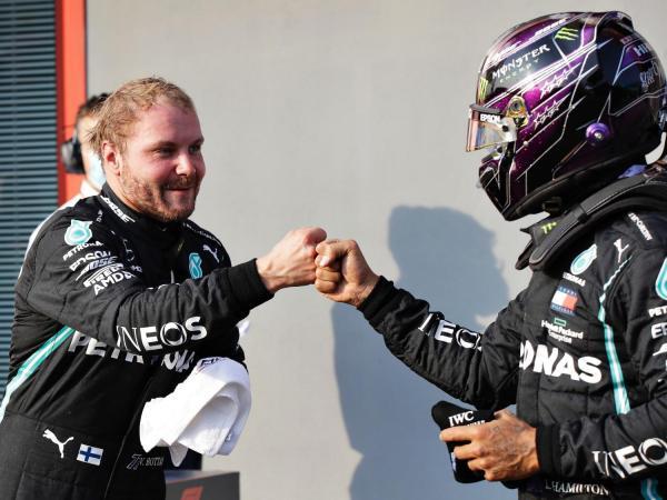 Bottas supera Hamilton e é pole position no GP de Imola