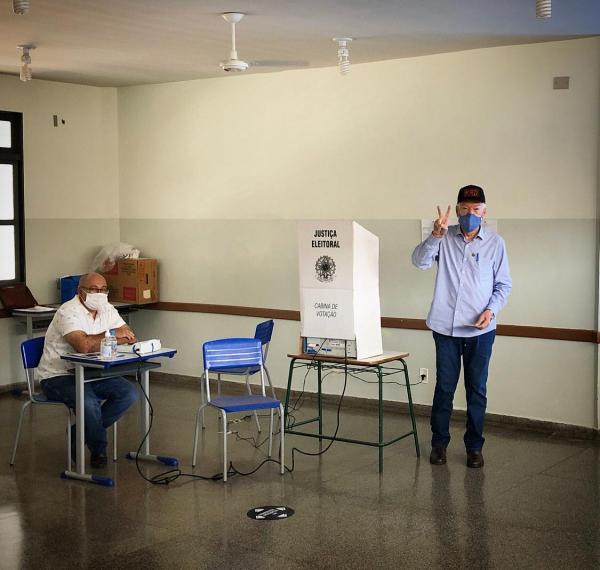 Zé de Oliveira votou demonstrando a serenidade de sempre
