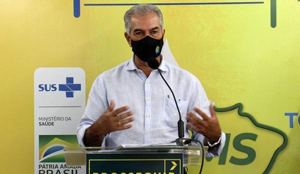 Mesmo com vacina, população deve seguir em alerta sobre a Covid-19, afirma Reinaldo Azambuja