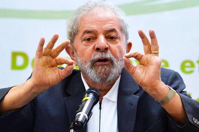 PF indicia Lula e Marisa por tríplex no Guarujá