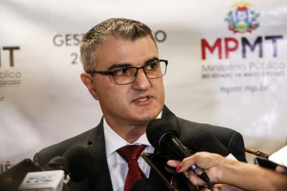 MPE quer suspender 'indenização' de R$ 28 mil a vereadores