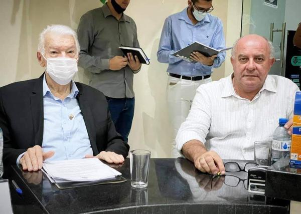 Prefeito Zé de Oliveira prestigiou o início dos trabalhos legislativos de 2021