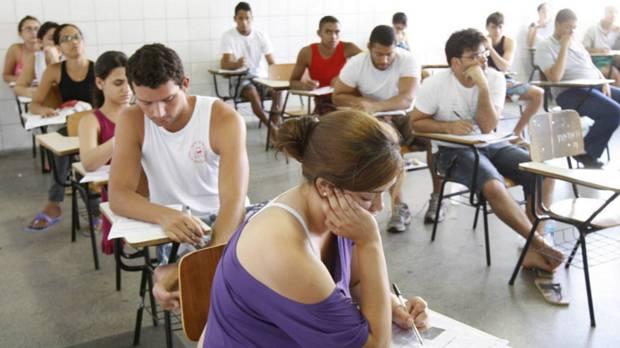 Ideb: o ensino médio, que já era ruim, conseguiu piorar