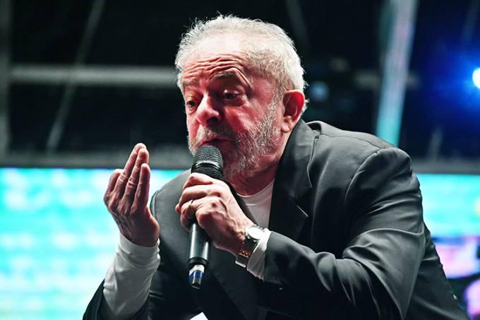 Lula é comandante máximo do petrolão, diz MP