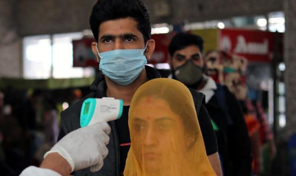 Índia reforça restrições contra covid-19 em Mumbai