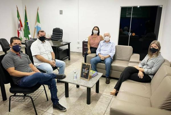 Zé de Oliveira recebeu visita de cortesia de Natel Moraes