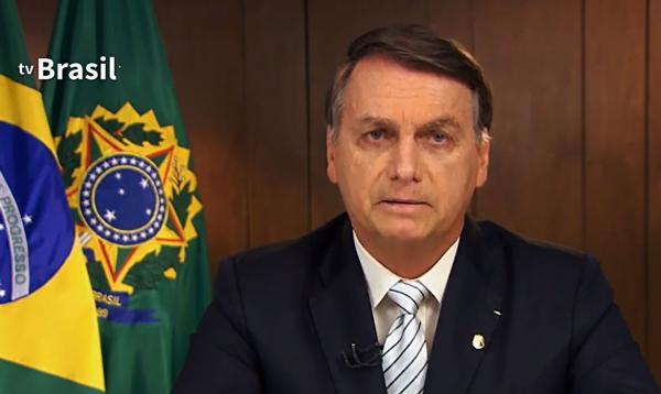 Bolsonaro vence Lula em 2022 em quatro cenários diferentes