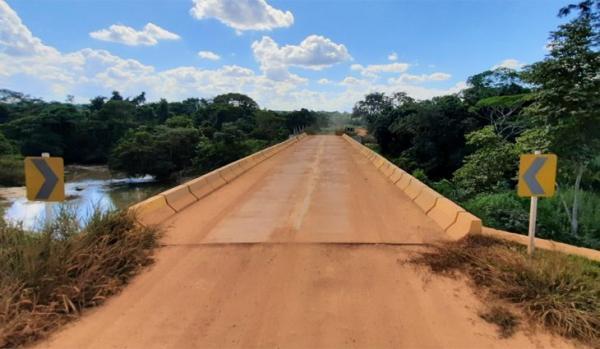 Ponte sobre o córrego da Figueira traz segurança a moradores da região do Mané Manco