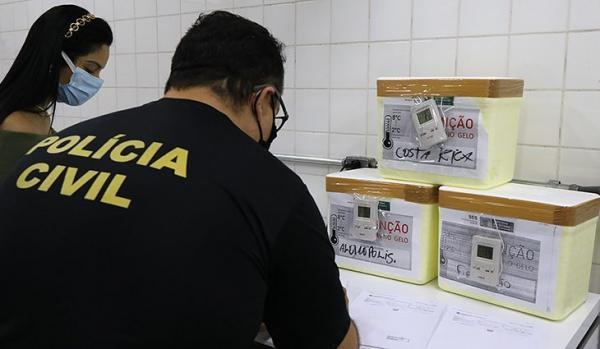 SES começa distribuição das 70.160 doses de vacina contra a covid-19 em MS