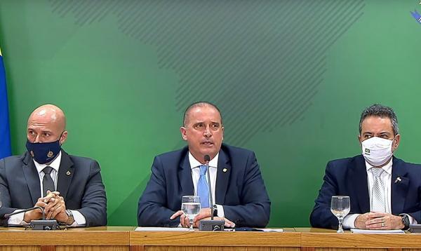 Ministro diz que PF vai investigar deputado por falas sobre vacina
