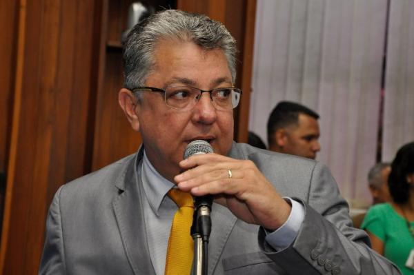 """PL de Evander que denomina """"Padre Pasquale Forin"""" a MS-432 vai para sanção do Governo"""
