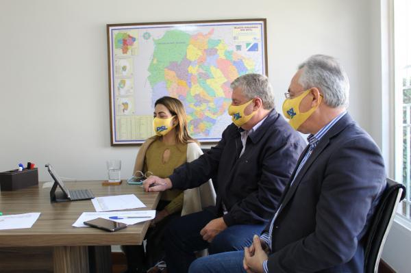 Soraya alinha com prefeito de Dourados destinação de R$ 14,3 milhões em recursos
