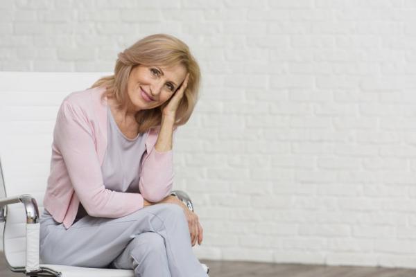 Atrofia vaginal: conheça a condição que afeta as mulheres na pós-menopausa