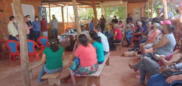 Dia de Campo reúne produtores da agricultura familiar e representantes da Cooplaf