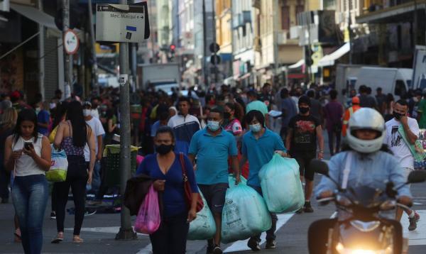 População brasileira chega a 213,3 milhões de pessoas em 2021